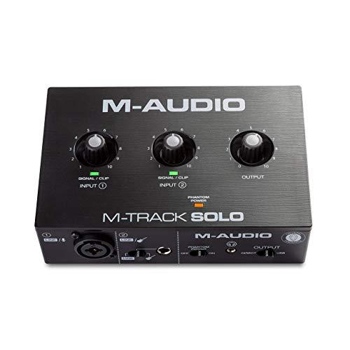 M-Audio M-Track Solo - Interfaz de audio USB para grabaciones, transmisiones y pódcasts con entradas XLR, línea y DI, paquete de software incluido
